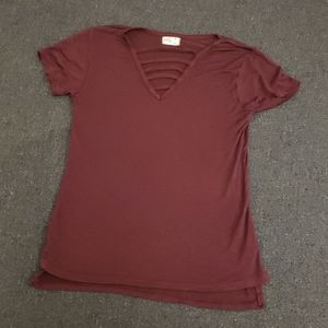 Glitz Short Sleeve V Neck Ladder Front Maroon M